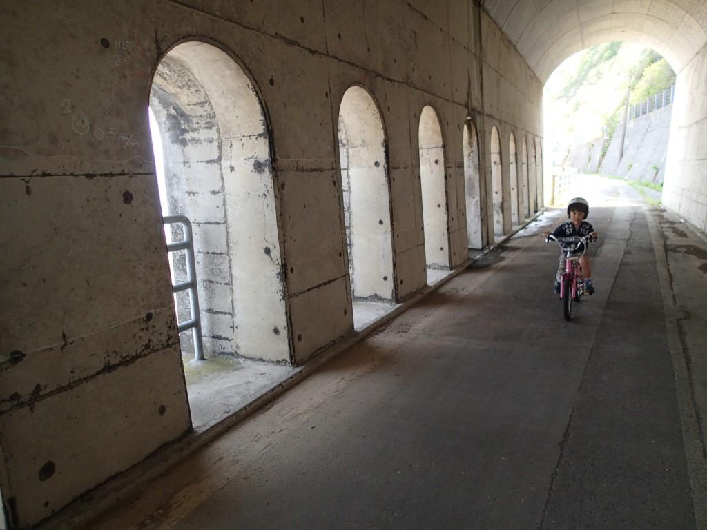 11:35 4個目の鳥ヶ首トンネル。海が見えるトンネル。